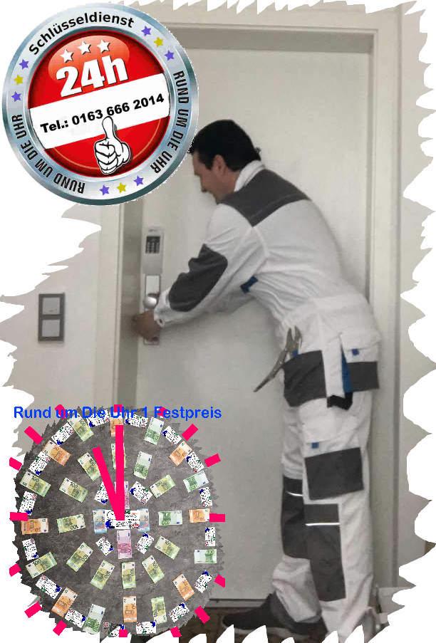 Monteur Karl bei der Arbeit. Gewaltloses Tür öffnen ! Der Festpreis bleibt auch bei Elektronischen Türen